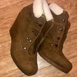Cato Wedge Booties Brown Faux Leather Size 7
